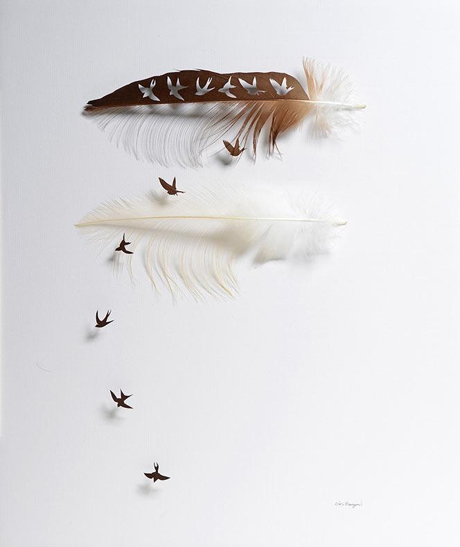 El simbolismo y el arte de la escultura con las plumas de Chris Maynard