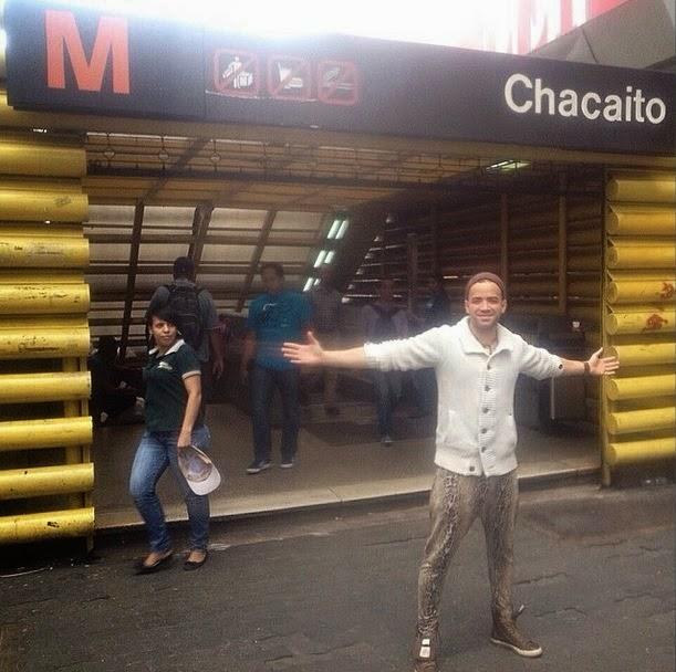 Nacho causa revuelo en Instagram con foto en el Metro de Caracas