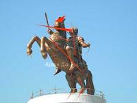 Александар Македонски (искомплексираниот воин на коњ)