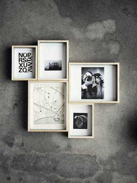 Living in designland inspiraci n composici n de marcos - Composicion marcos pared ...