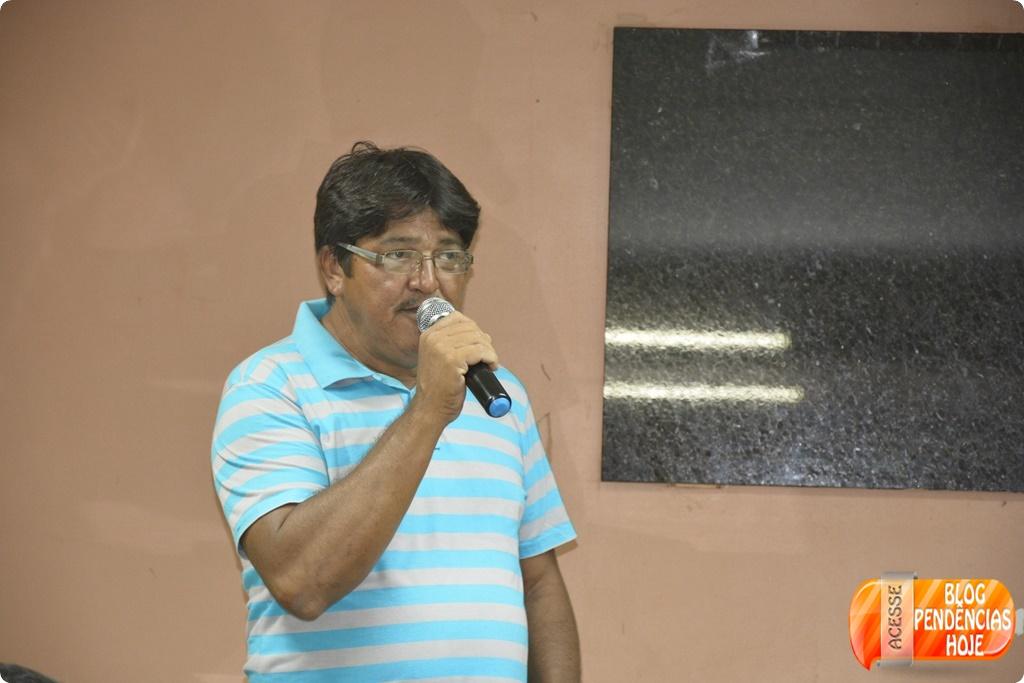 O Presidente do PMDB Vereador Luiz do prestigia a convenção do PMN.