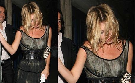 Top Kate Moss é flagrada bêbada ao sair de boate às cinco da manhã