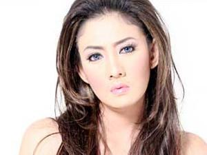 Peggy Bungkam Soal Kabar Pernikahan Wisnu Chandra