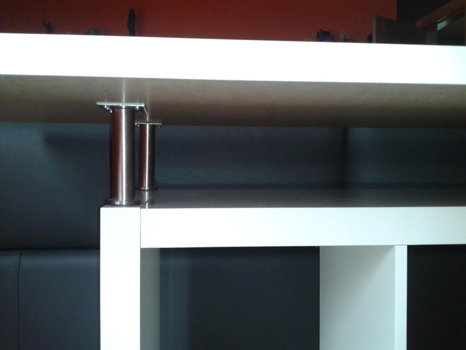 Una barra de bar en el sal n con expedit mi llave allen for Bar movil de madera
