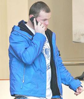Wayne Rooney, Scotland Yard, phone hack, Newspaper phone hacking police contact Wayne Rooney, Manchester United Striker under fire, mobile phone
