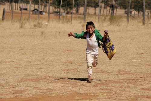 Cuentos Para Niños: Historias Infantiles: JUANILLO, EL NIÑO VELOZ