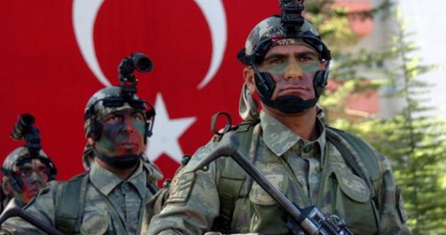 Τα κινητά των Ελλήνων στρατιωτικών ελέγχονται από την πρώτη ημέρα σύλληψής τους