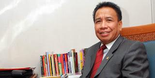 Pendapat Anggota DPR-RI Dedi Gumelar Mengenai Kasus Ketua MK Akil Mochtar