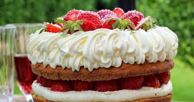 Naked Cake coco, fraises et chocolat blanc