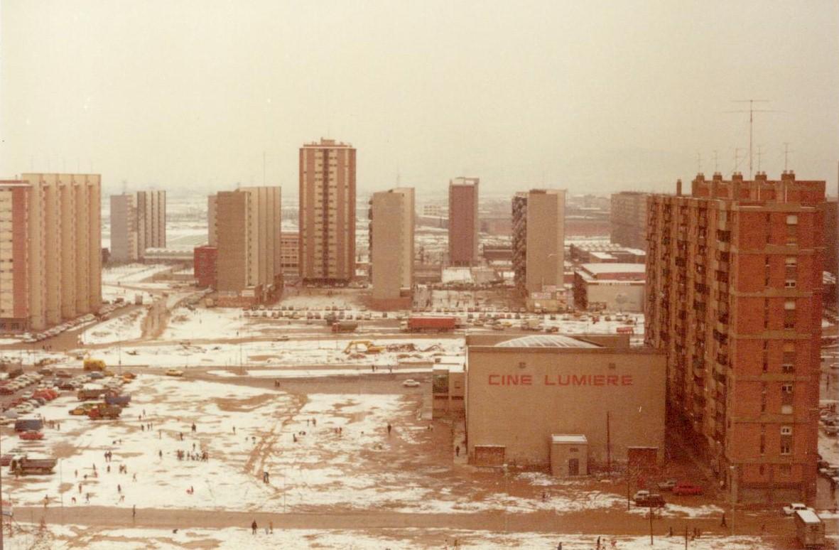Columna arrinconada el fin del mundo - Muebles en hospitalet de llobregat ...