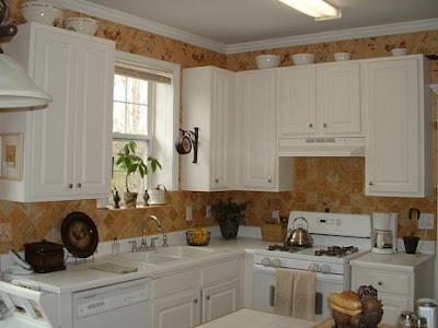 C mo decorar cocinas peque as c mo dise ar cocinas for Como decorar una cocina rustica pequena