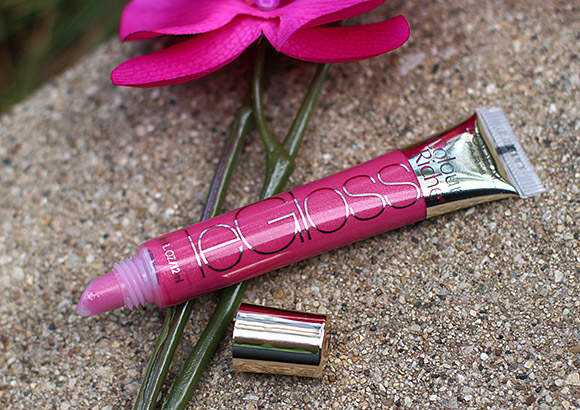 L'Oreal Violet Attitude Colour Riche Le Gloss