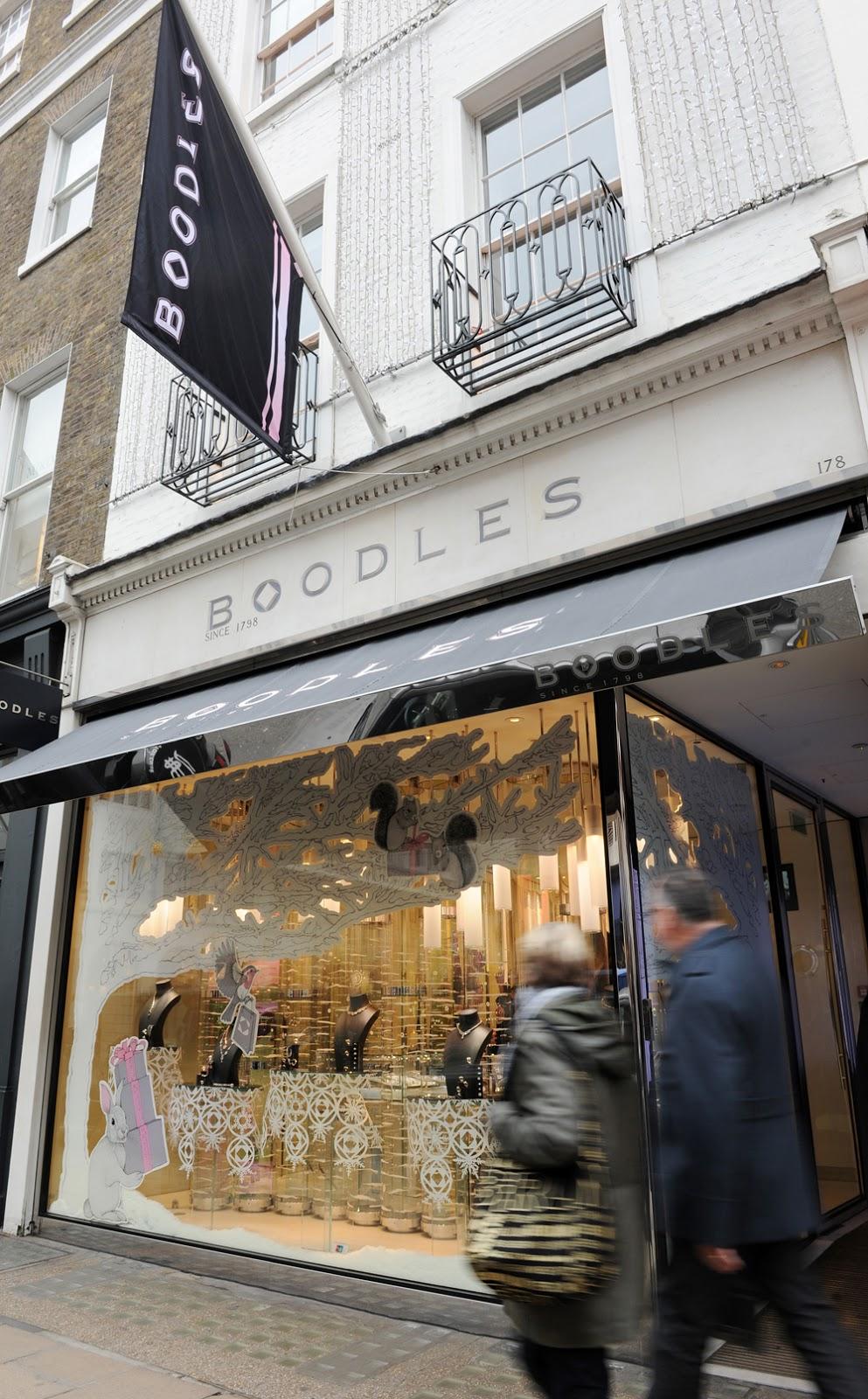 Kerry Lemon Hand Painting The Bond Street Boodles Store