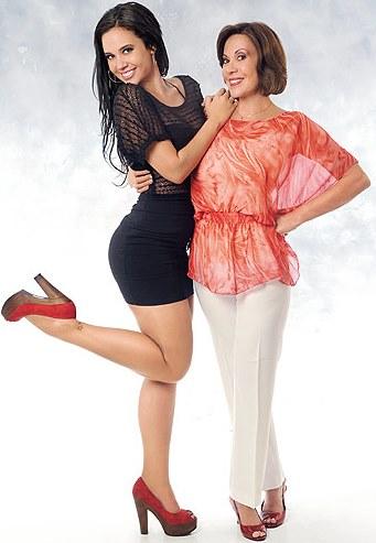 Lucía Oxenford feliz con su madre