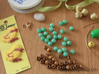 easter necklace tutorial