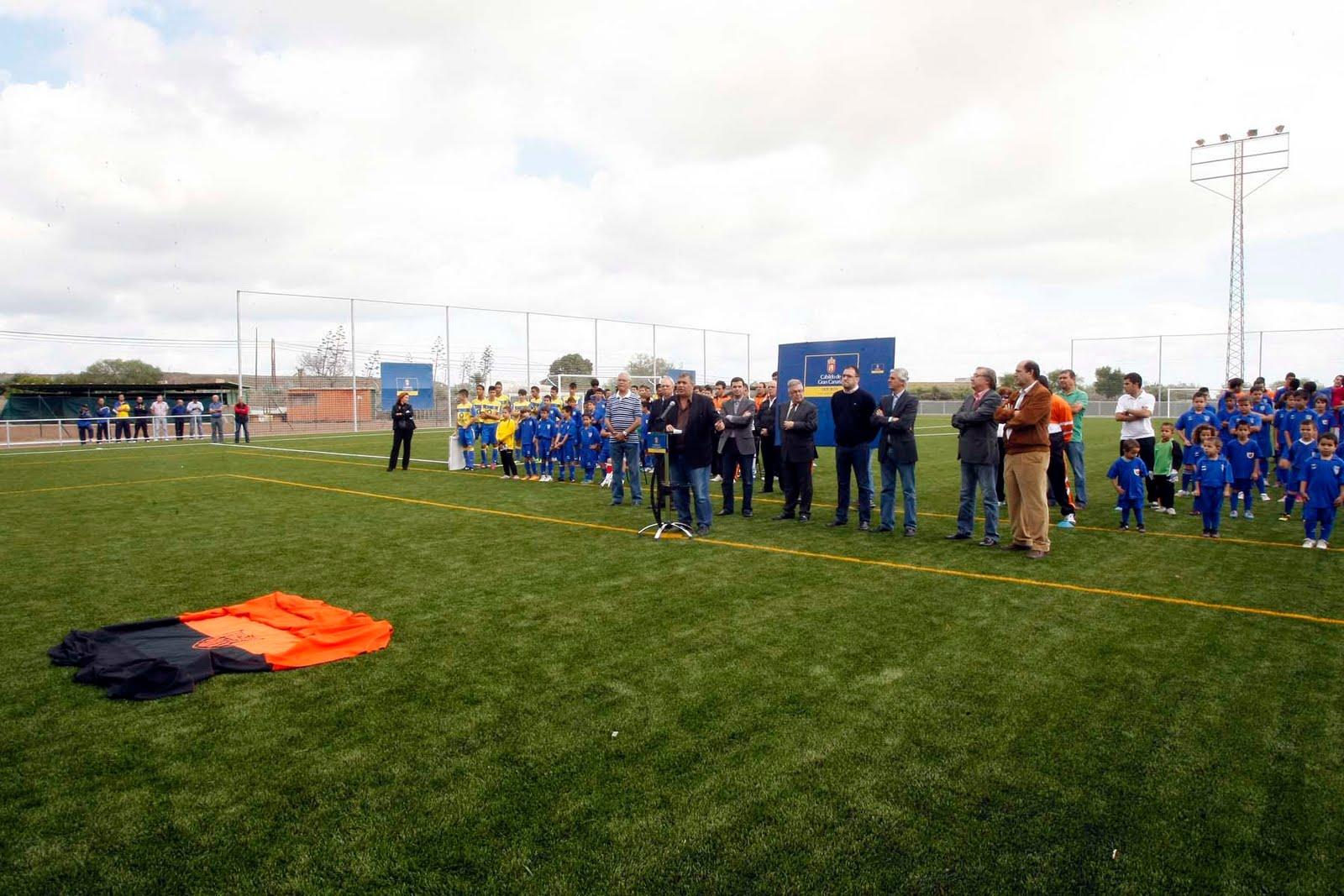 Inauguraci n del c sped artificial del campo de f tbol del - Cesped artificial las palmas ...