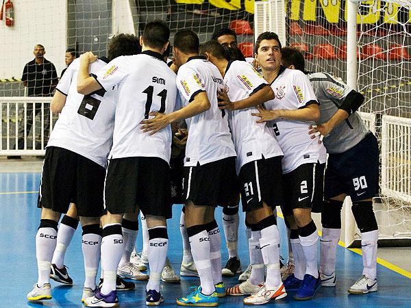f432ffe341 Corinthians derrota São Bernardo e se reabilita na Liga Paulista de ...