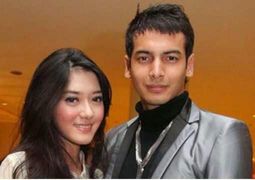 Foto Boy Hamzah bersama Istri