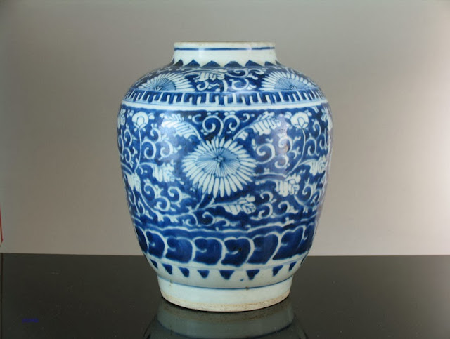 """<img src=""""Chinese Transitional period Jar .jpg"""" alt=""""blue and white porcelain jar with floral decorations"""">"""