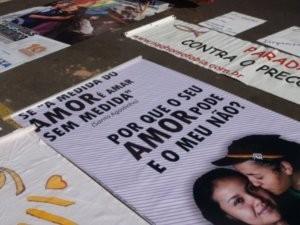 Faixas e cartazes de protesto foram usados pelos organizadores do Casvi (Foto: Eduardo Guidini)