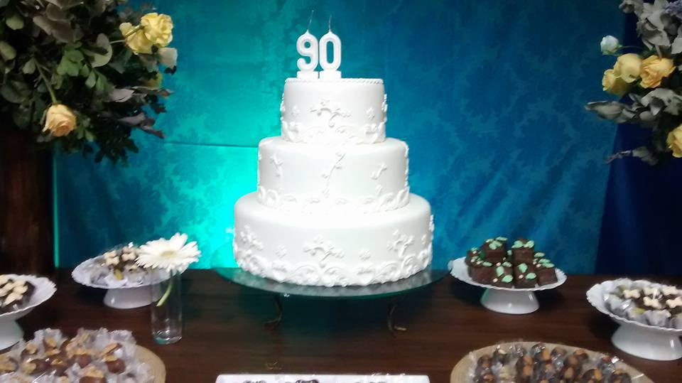 Bibhian Fernandes Festa De 90 Anos Decoração Rústica Com Cores