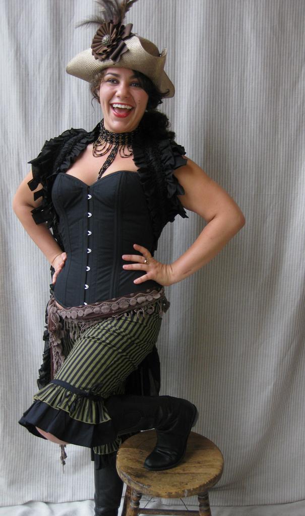 halloween costume idea pirate