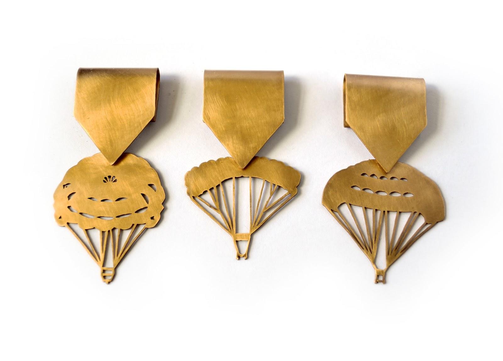 Marie Pendaries - parachutes dorés