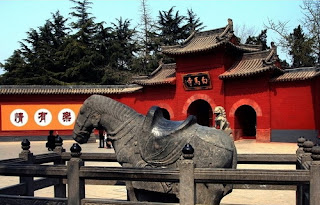 White Horse Temple, visiting it by your China travel tour to Luoyang.
