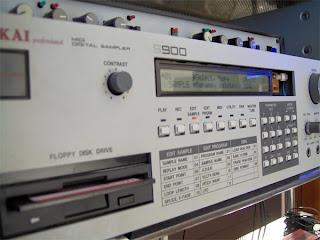 AKAI S900 12bit oldschool sampler