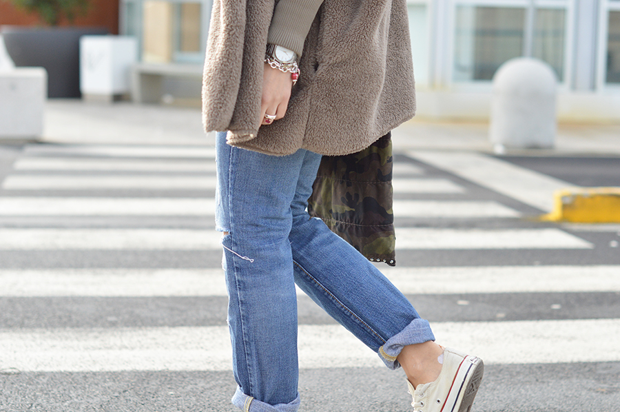 denim look, cozy outfit, maxi coat, oversize coat, converse all star sneakers, dior sunglasses, h&m beanie, prada bag, elisa taviti, my fantabulous world, top italian fashion blogger, fashion blogger italiane