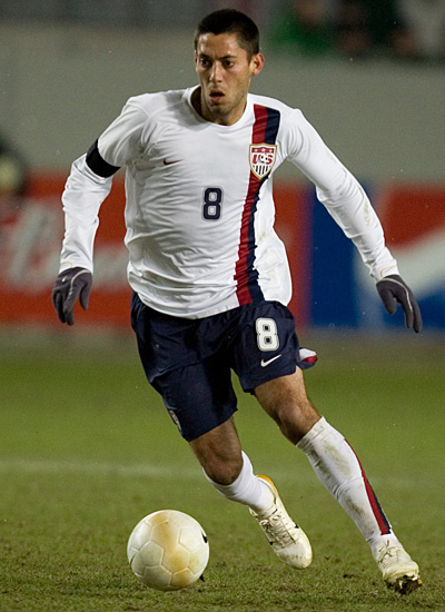 Clint Dempsey joins Tottenham Hotspur