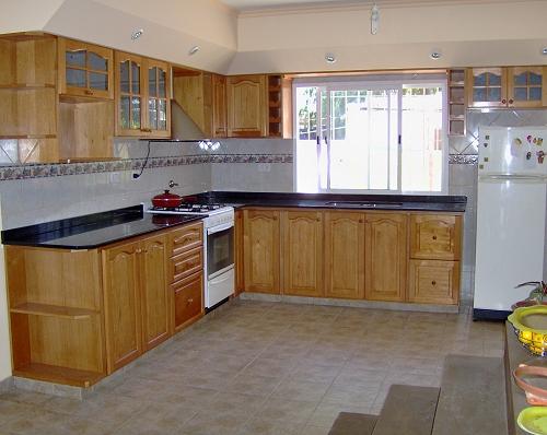 Ixtus amoblamientos muebles de cocina madera for Como hacer una cocina integral