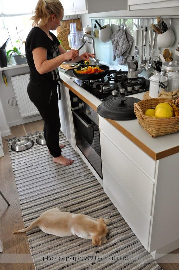 Margherite farfalle e sogni by sabina sala due bionde in cucina - Tutto cucine carre ...