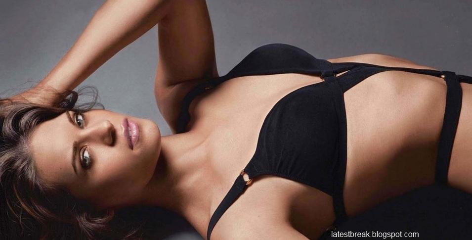Lyndsy Fonseca S Bikini Shoot