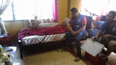 Pemuda Umno Bagan Datoh Membuat Lawatan Rumah Ke Rumah Dan Memberi Rawatan Kesihatan Kepada Penduduk Permatang Pauh