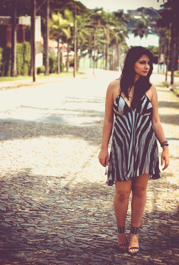 Bárbara Urias - look listras zebra - vestido estampa animal print