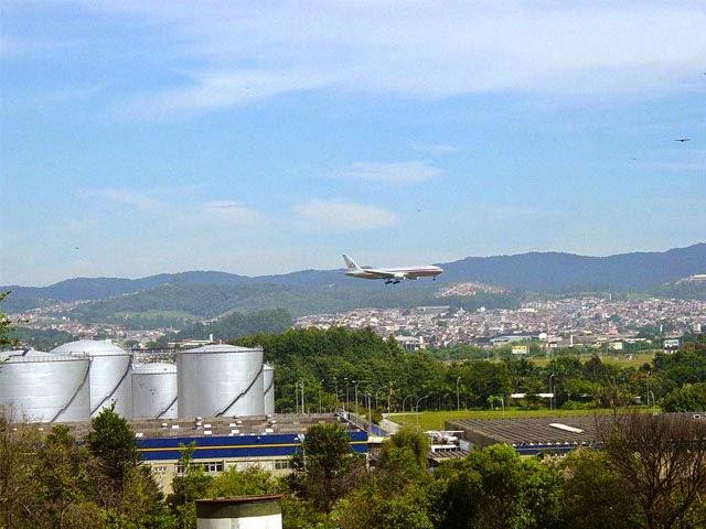 Aeroporto Internacional de Guarulhos - Um Asno
