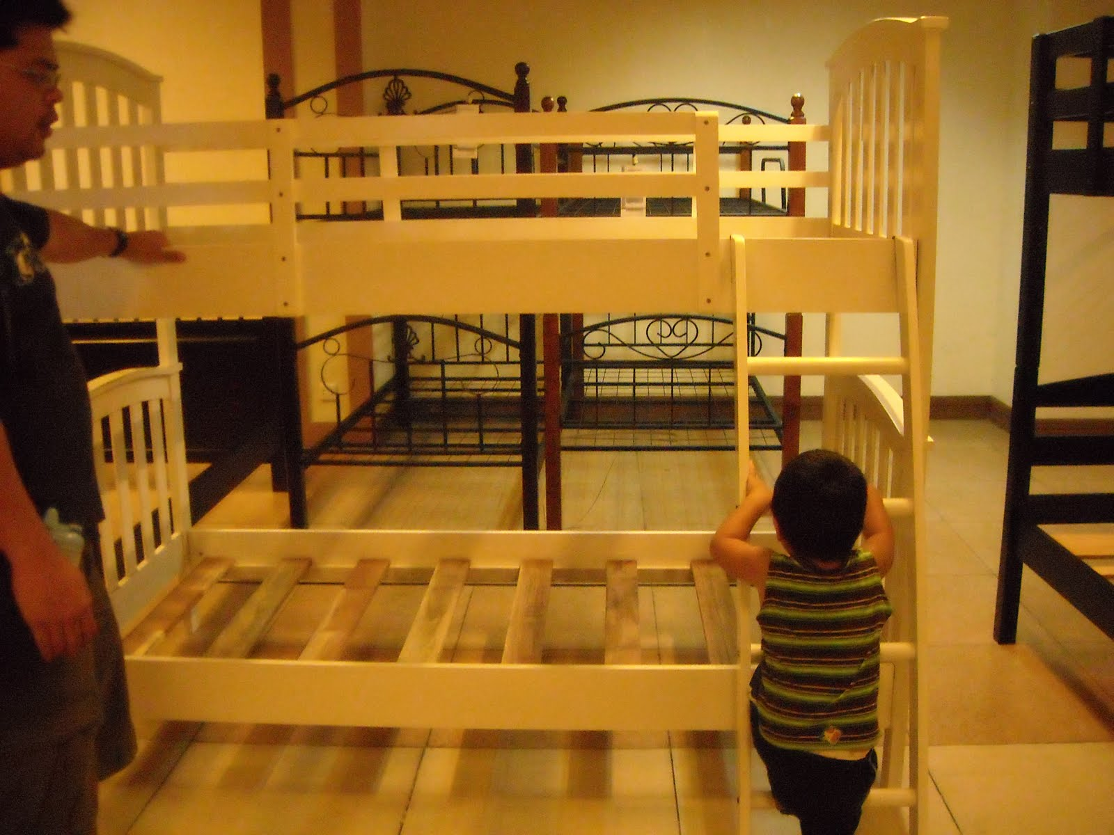 Double deck bed designs for small spaces diy woodworking for Double deck bed design