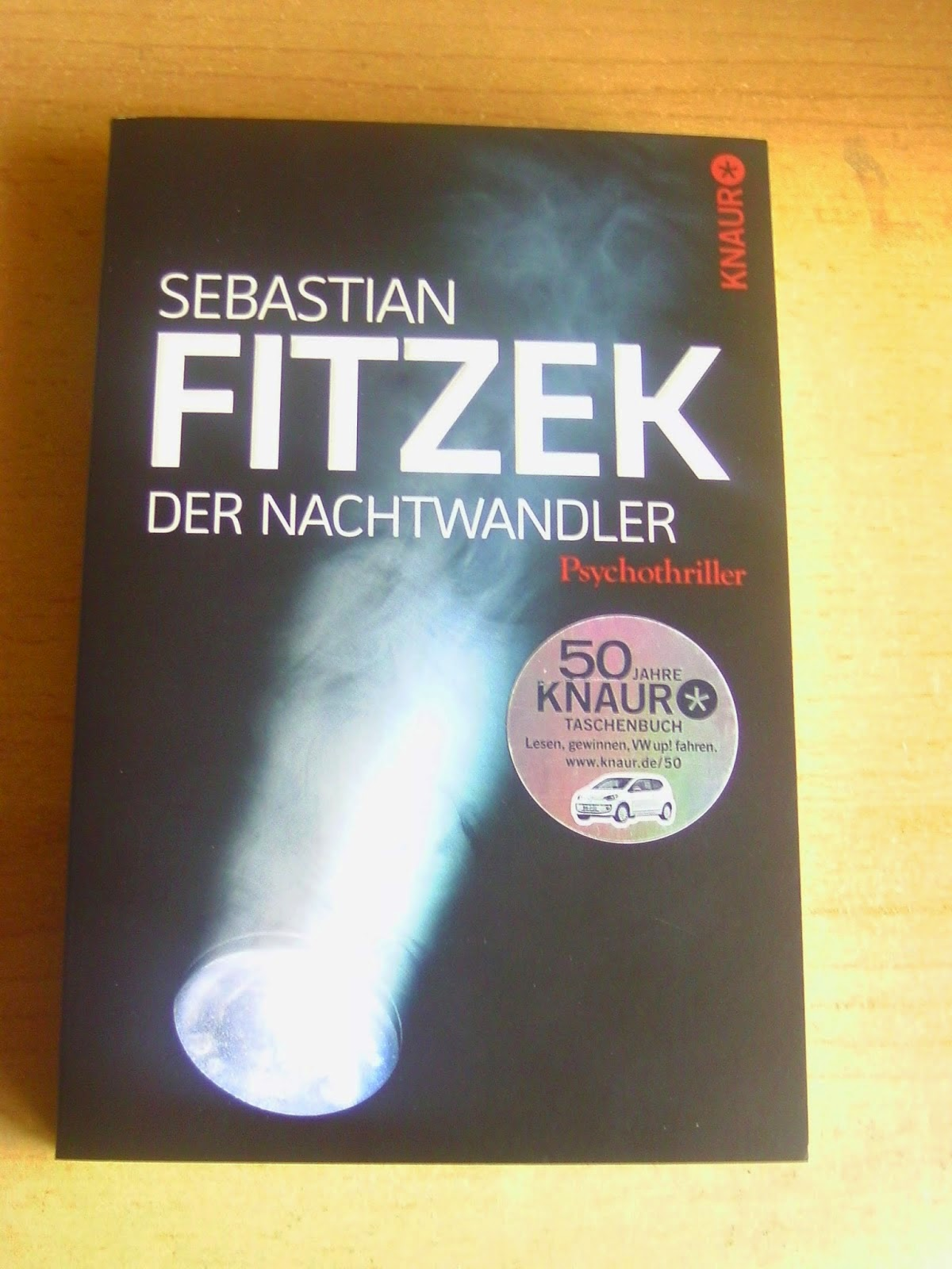 http://www.amazon.de/Nachtwandler-Psychothriller-Sebastian-Fitzek/dp/3426503743/ref=sr_1_1?s=books&ie=UTF8&qid=1430380771&sr=1-1&keywords=Der+Nachtwandler