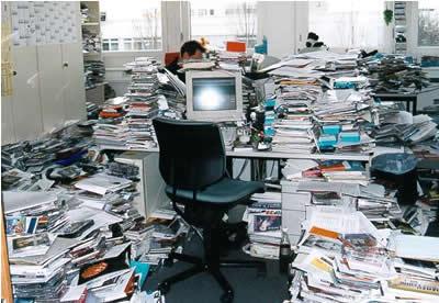 Mi pasión por los libros y recortes de prensa