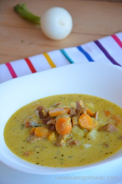 Zupa kurkowa (Zupa z kurek)
