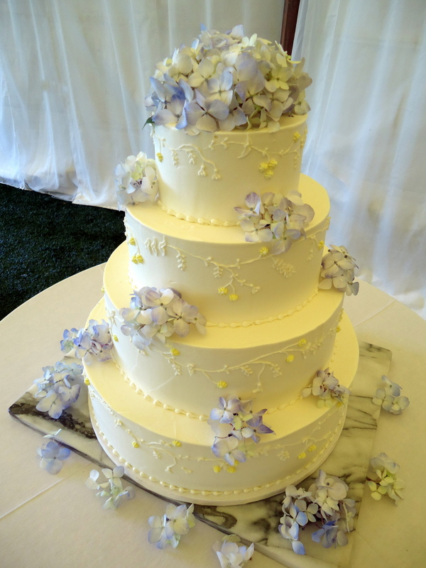 Cakes By Rachel: August 2012