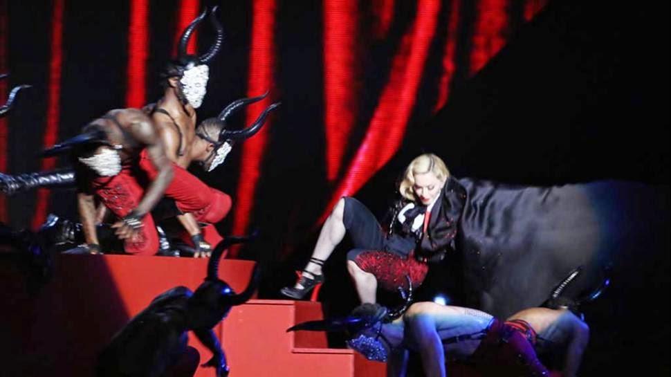 Caída de Madonna en los Brit Awards