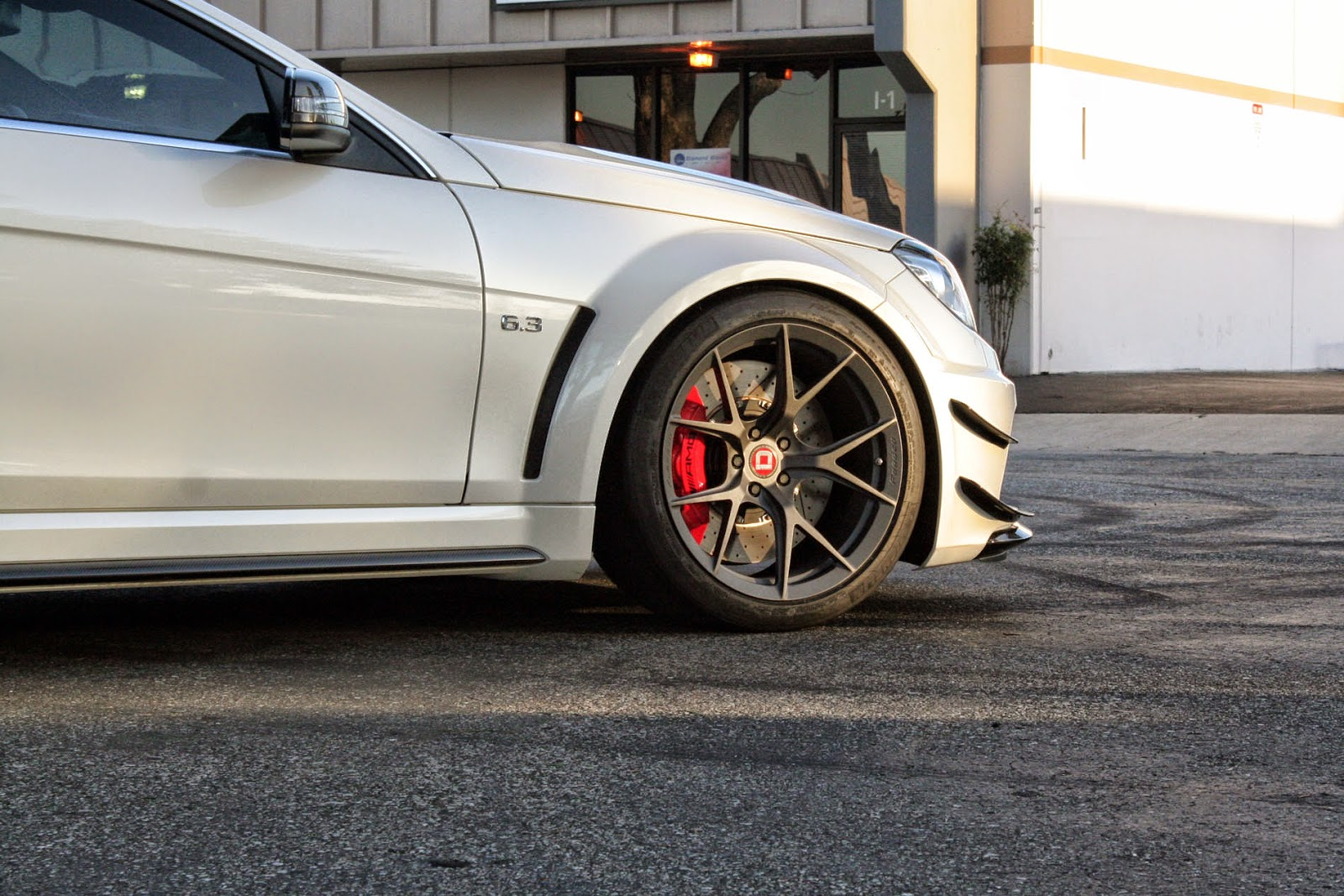 Mercedes benz w204 c63 amg black series on klassen wheels for Amg wheels for mercedes benz