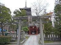 東寺が出る前からあった神社。