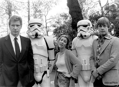 Star Wars a new Hope Carrie Fisher Mark Hamill Harrison Ford movieloversreviews.blogspot.com