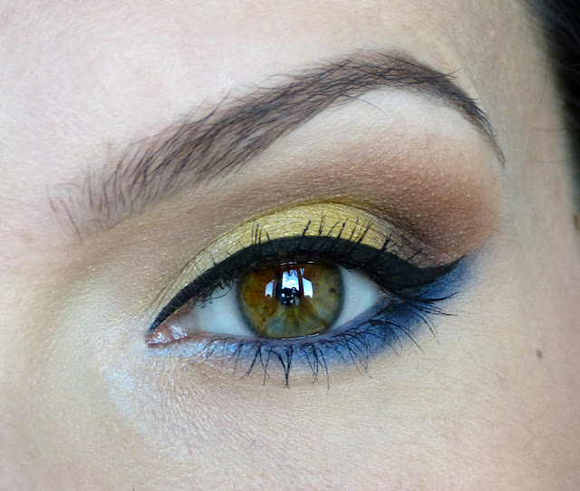 Letnie wspomnienie - makijaż z błękitnym rozświetleniem