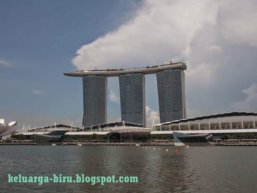 Marina Bay dilihat dari Singapore River Cruise