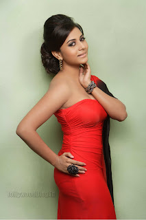 Suja Kumar Gorgeous looking Pictures 002.jpg