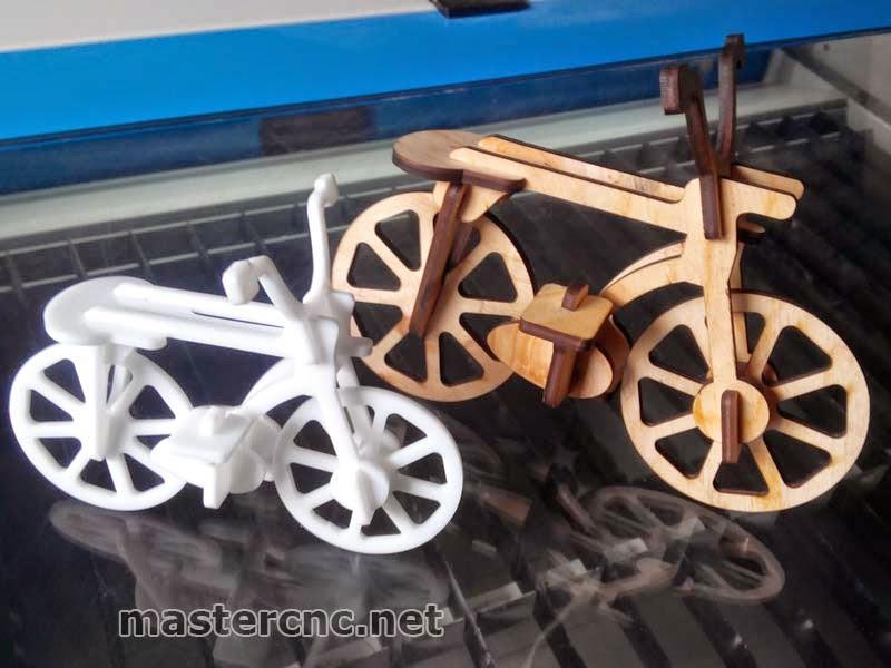 3D пазл велосипед из акрила и фанеры. Днепропетровск